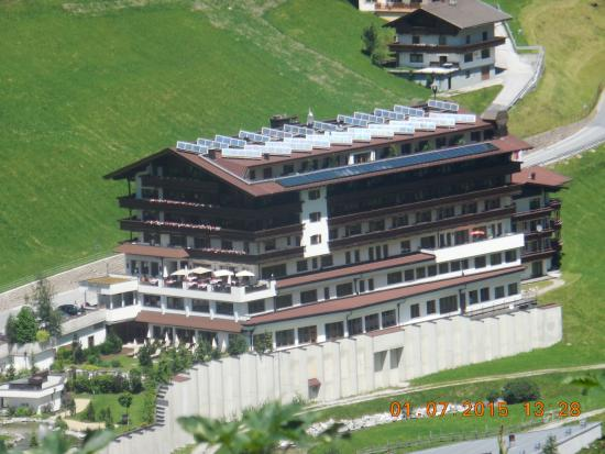 Hotel Alpenhof Hintertux: 8 stories for a good stay in the Alps