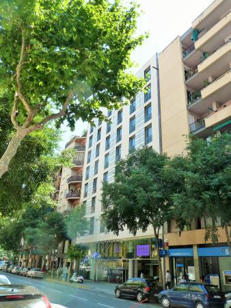 Atrium picture of ayre hotel rosellon barcelona - Hotel ayre rosello ...