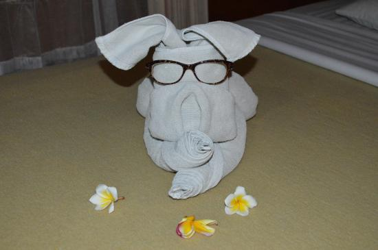Melasti Legian Beach Resort & Spa: Towel art