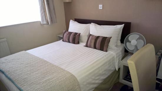 The Inglewood Hotel - Blackpool North Shore Photo
