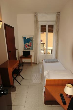 camera da letto singloa - Picture of Albergo Ristorante Valtellina ...