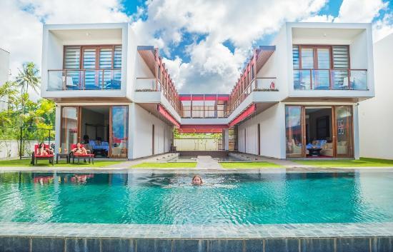 W15: Pool