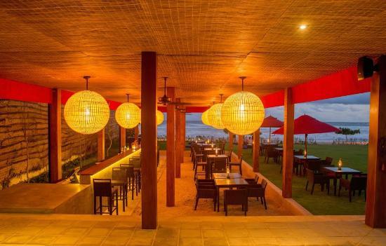 W15: Restaurant & Bar (1)