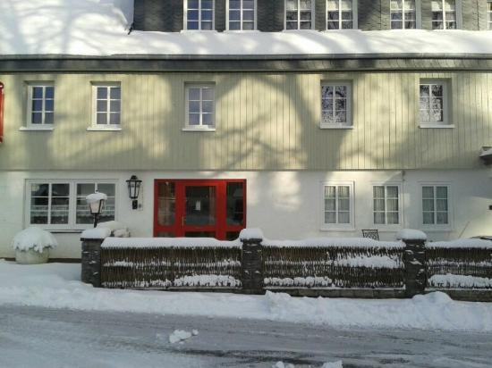 Big Country House: Hotel im Schnee