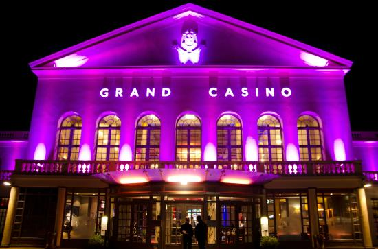 Casino forge les eaux horaires tricks to win 3 card poker