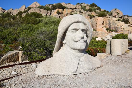 Santo Stefano Resort: il busto di Germano Ciano