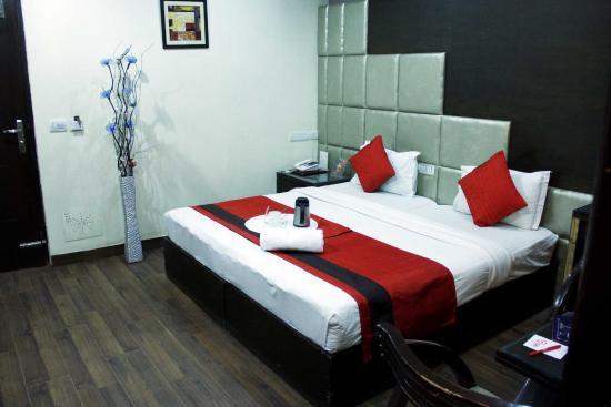 Hotel The Daanish Residency: getlstd_property_photo