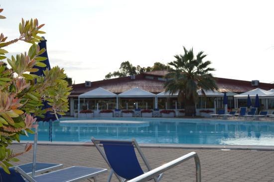 La  Buca del Gatto Hotel: Piscian con hall