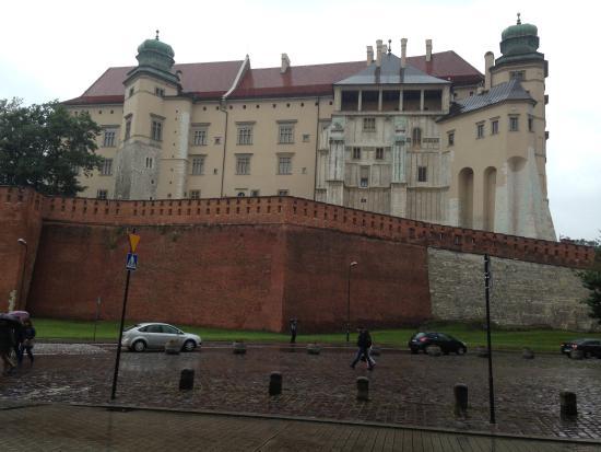 Finger Guest Rooms Krakow : Wawel Castle from Grodzka Street