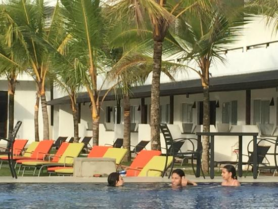 Coco Royal Beach Resort Ground Floor Rooms By The Pool