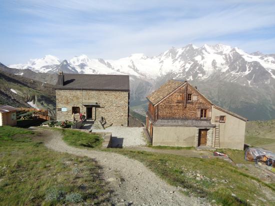 Weissmies Hut : die Hütte am Morgen