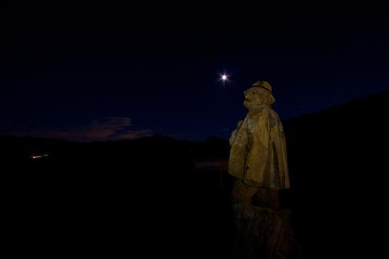 Rifugio Mont Fallere: Scultura pastore di sera