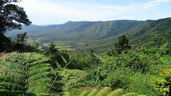 Eungella Mountain Edge Escape: Scenery #views #landscape