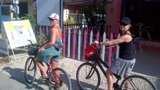 Panaderia & Heladeria Princesa Bakery & Ice Cream Parlor: Grabbing a snack for the bike ride