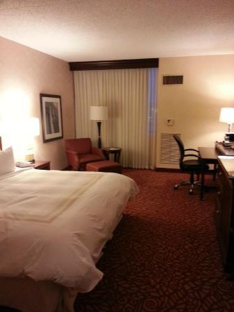 Cincinnati Marriott North: Spacious...