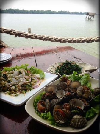 Reur Lae Lay Restaurant