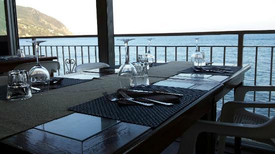 La table - Foto di Ristorante Bagni Arcobaleno, Moneglia - TripAdvisor