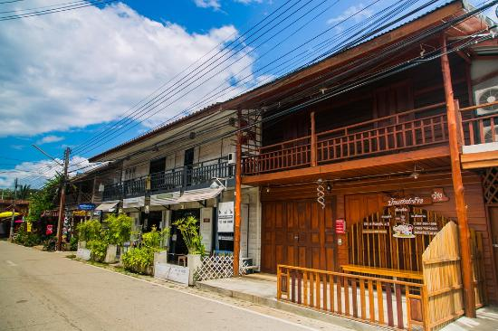 Wat Tham Pha Poo