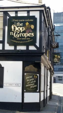 ‪The Hop N Grapes‬