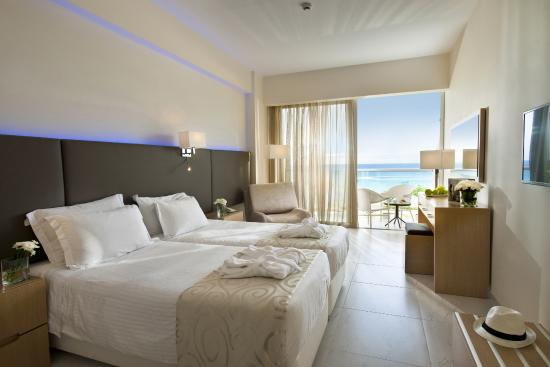 Pernera Beach Hotel: Superior Sea View Room