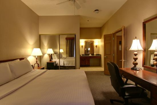 Homewood Suites by Hilton Baltimore-BWI Airport: King Suite with Bathroom