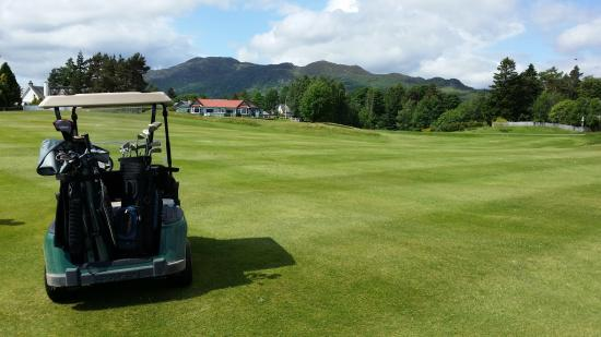 Newtonmore Golf Club: Towards the clubhouse