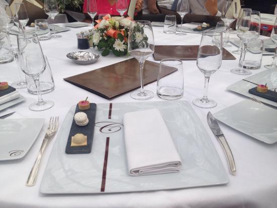La table foto di le chateau des iles saint maur des - La table marseillaise chateau gombert ...