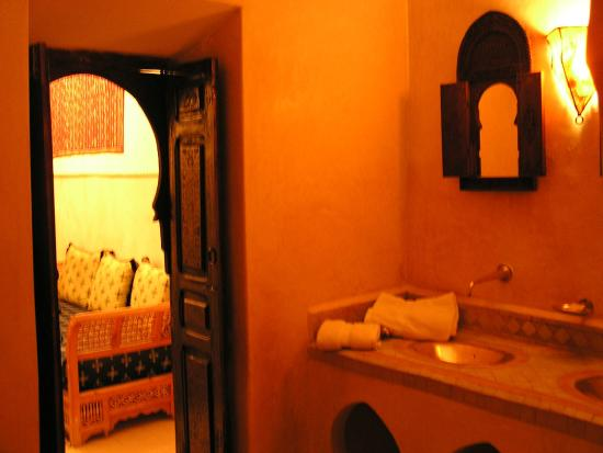 Riad Yamsara: salle de bain