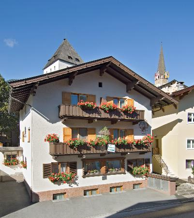 Photo of Haus Kometer Fruhstuckspension Kitzbühel