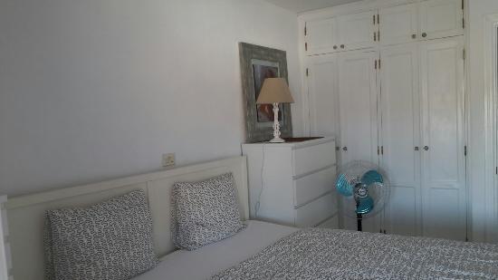 Monsenor Aparthotel: P.1 and x8