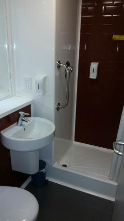 Lostock Gralam, UK: En-suite cubicle