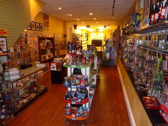 ‪Crossroad Comics and Collectibles‬