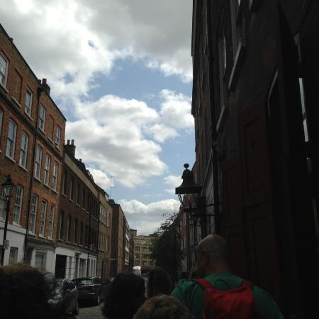 Dennis Severs' House: Folgate Street...just across from Tune Hotel Liverpool Street...best way to get clear directions