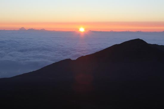 Cruiser Phil's Volcano Riders : Sunrise as seen from the Haleakala Crater