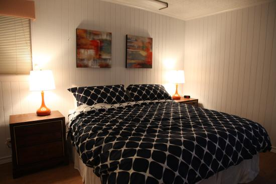 Executive Keys Condominiums on the Beach: Bedroom 1