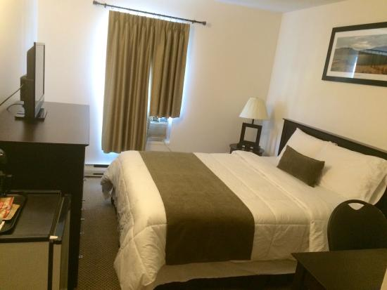 Knights Inn Barriere: Newly renovated rooms