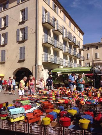 Provencal Market: Markt Nyons