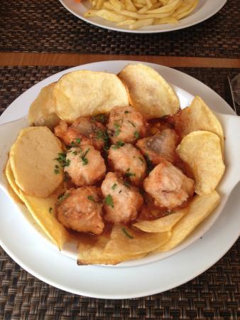 Esquina Restaurante : Monkfish casserole with homemade potato chips