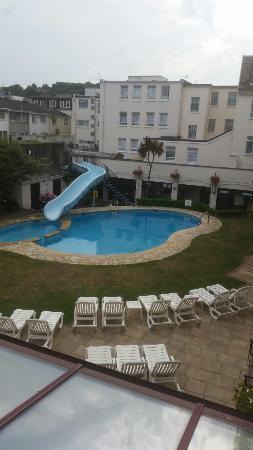 Apollo Hotel: Pool view
