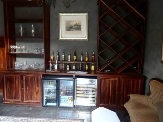 Huntingdon House : House Honesty Bar