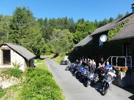 RidersRest : Our group, 8 bikes and 12 riders ready for another adventure