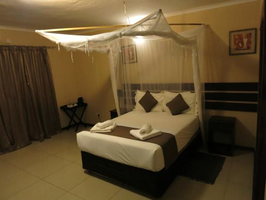 Kwalape Safari Lodge: Habitación