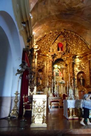 Parroquia de Santa María de África: grand inside