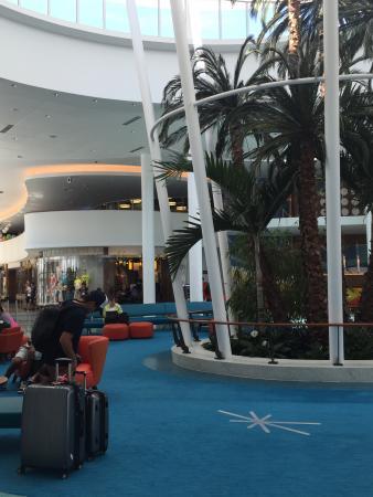 Universalu0027s Cabana Bay Beach Resort: Mid Century Modern   A Jetsons Twist