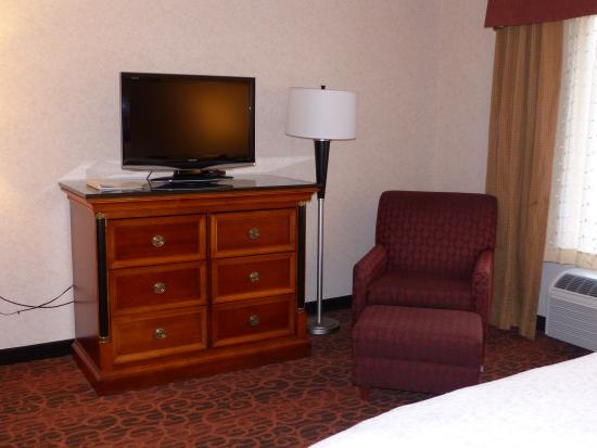 Hampton Inn & Suites Salt Lake City Airport: king room - Hampton Inn & Suites SLC Airport