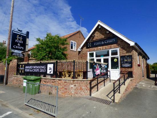 Driffield United Kingdom  city photos gallery : Wet Wang Fish & Chip Shop near Driffield Yorkshire Picture of ...
