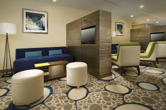 Holiday Inn El Paso Airport: Front Lobby