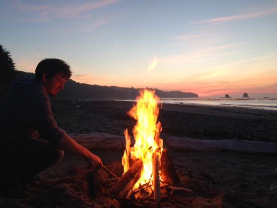 Bullman Beach Inn: Fire on the beach