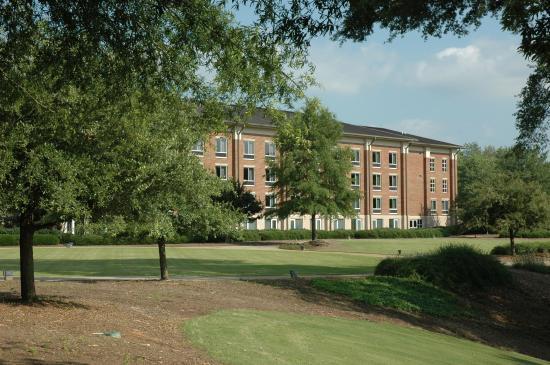 Clemson University's James F. Martin Inn: Vue de l'éxterieur