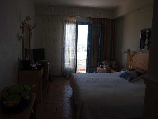 Lagos Mare: the room
